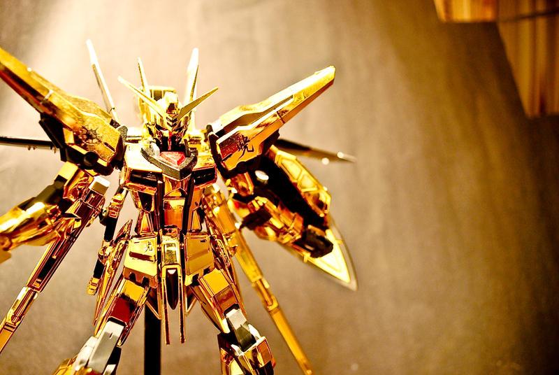 gold gundam by chopsticks905