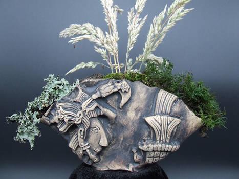 Lord Pakal Mayan Kusamono Display Pinch Pot