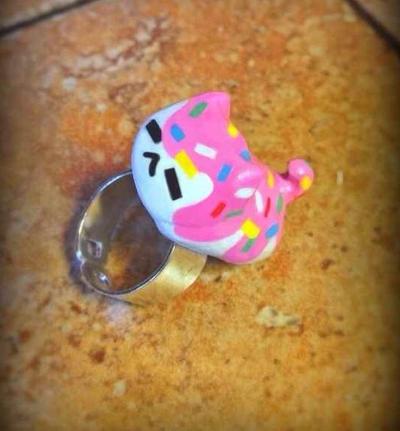 Sprinkle kitty ring by SprinkleChick