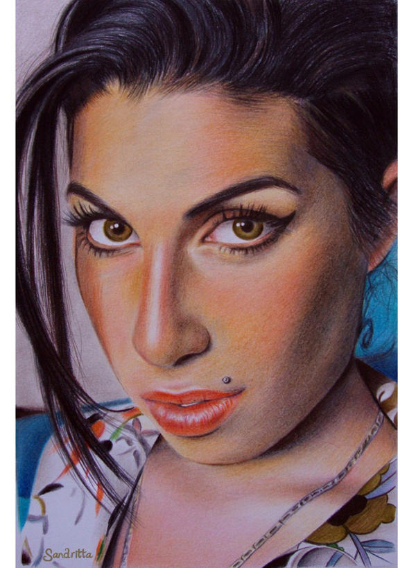 Amy winehouse eye color
