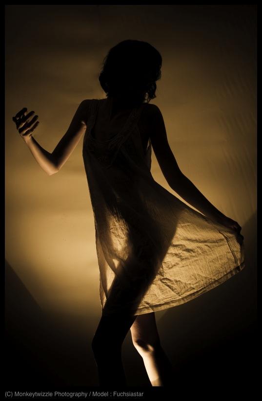 Dancing In The Dark by fuchsiagrrrl