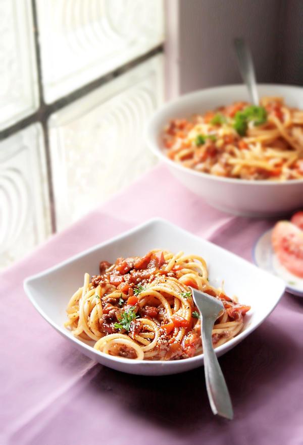 Spaghetti Bolognese by sasQuat-ch