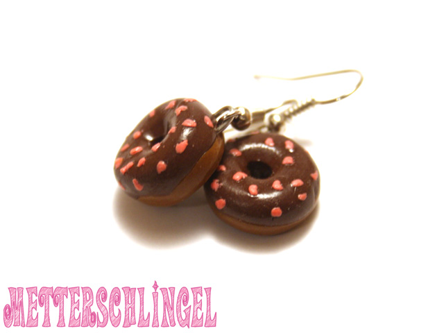 Donut with choclate Icing by Metterschlingel