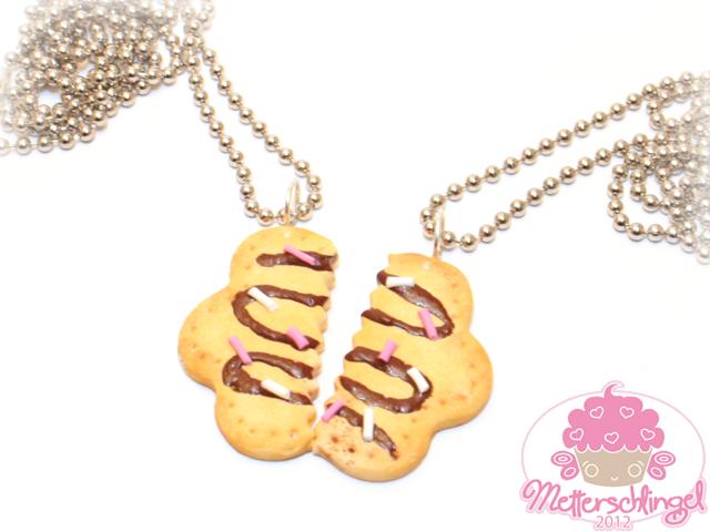 Friendship Cookie Necklace by Metterschlingel