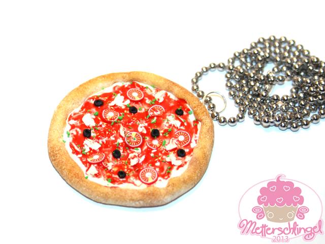 Pizza Necklace by Metterschlingel