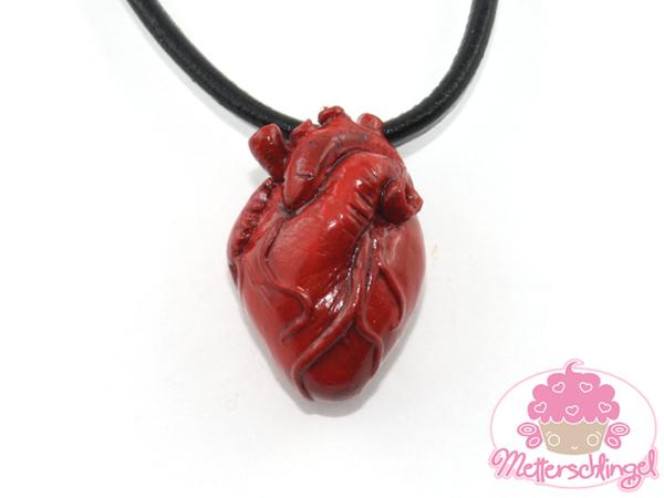 Realistic Heart Necklace by Metterschlingel