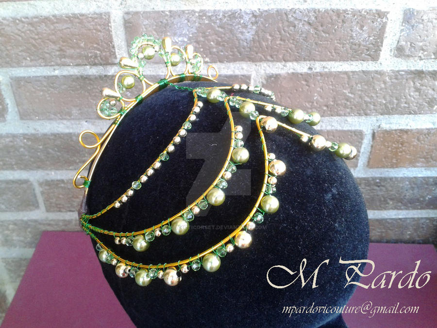 Ballet headpiece in green-gold by arcticorset