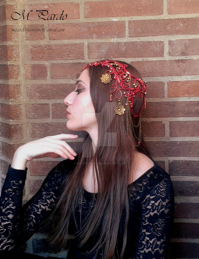 Elven tiara in red and antique gold by arcticorset