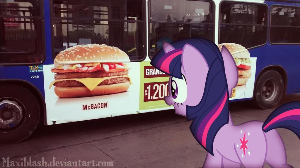 Twilight Loves Hamburgers by Maxiblash