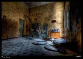 Torture chamber by Murderdoll17