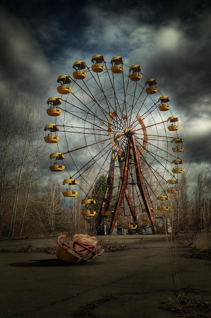 Deadly wheel by Murderdoll17