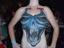 Blue skull upclose by dragonhuntr