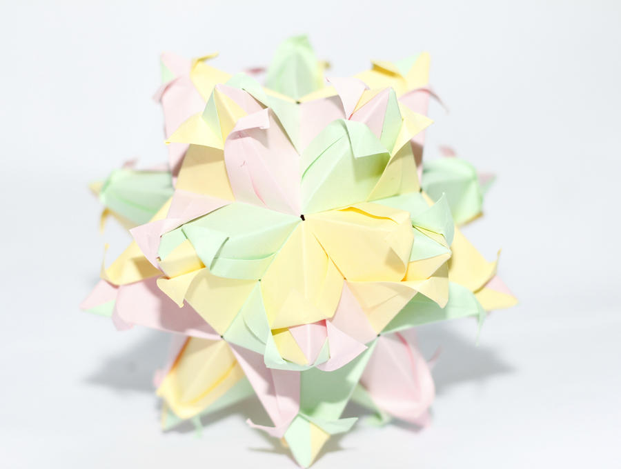 kusudama tulip by leezarainboeveins