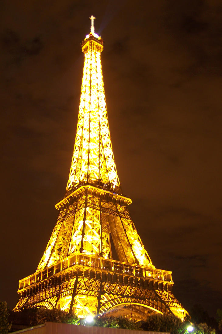 la tour eiffel a nuit by red special on deviantart. Black Bedroom Furniture Sets. Home Design Ideas