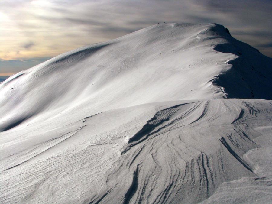 waves of white by mooninherhair