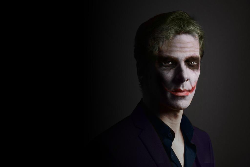 Benedict Cumberbatch as The Joker by Zalkel000 on DeviantArt