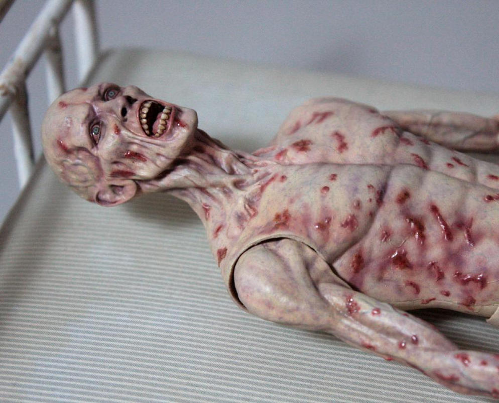 http://th02.deviantart.net/fs71/PRE/f/2014/004/b/5/1_6_scale__sloth__victim_from_the_film_se7en_by_sean_dabbs_fx-d70sf6i.jpg