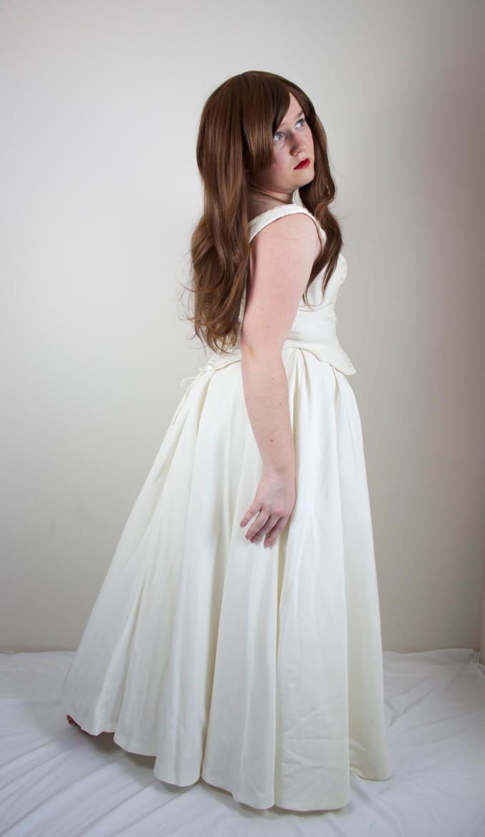 White 3 by kirilee