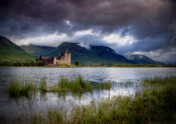 The Castle in the Loch by ArwensGrace