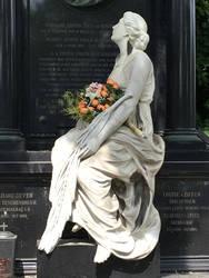 Statue at Zentralfriedhof Wien