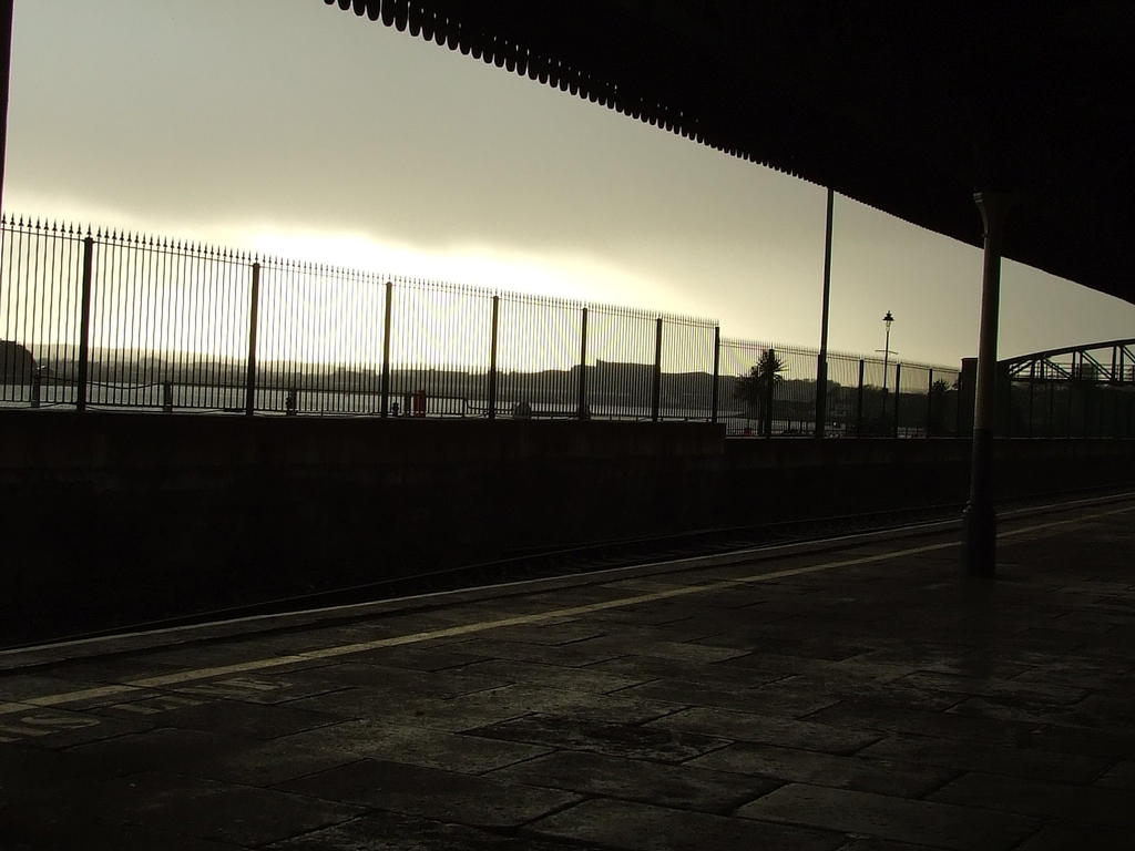 Railway_Platform_by_Rihani.jpg