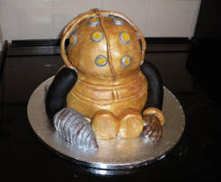 Bioshock Big Daddy cake by evil-dark-faerie