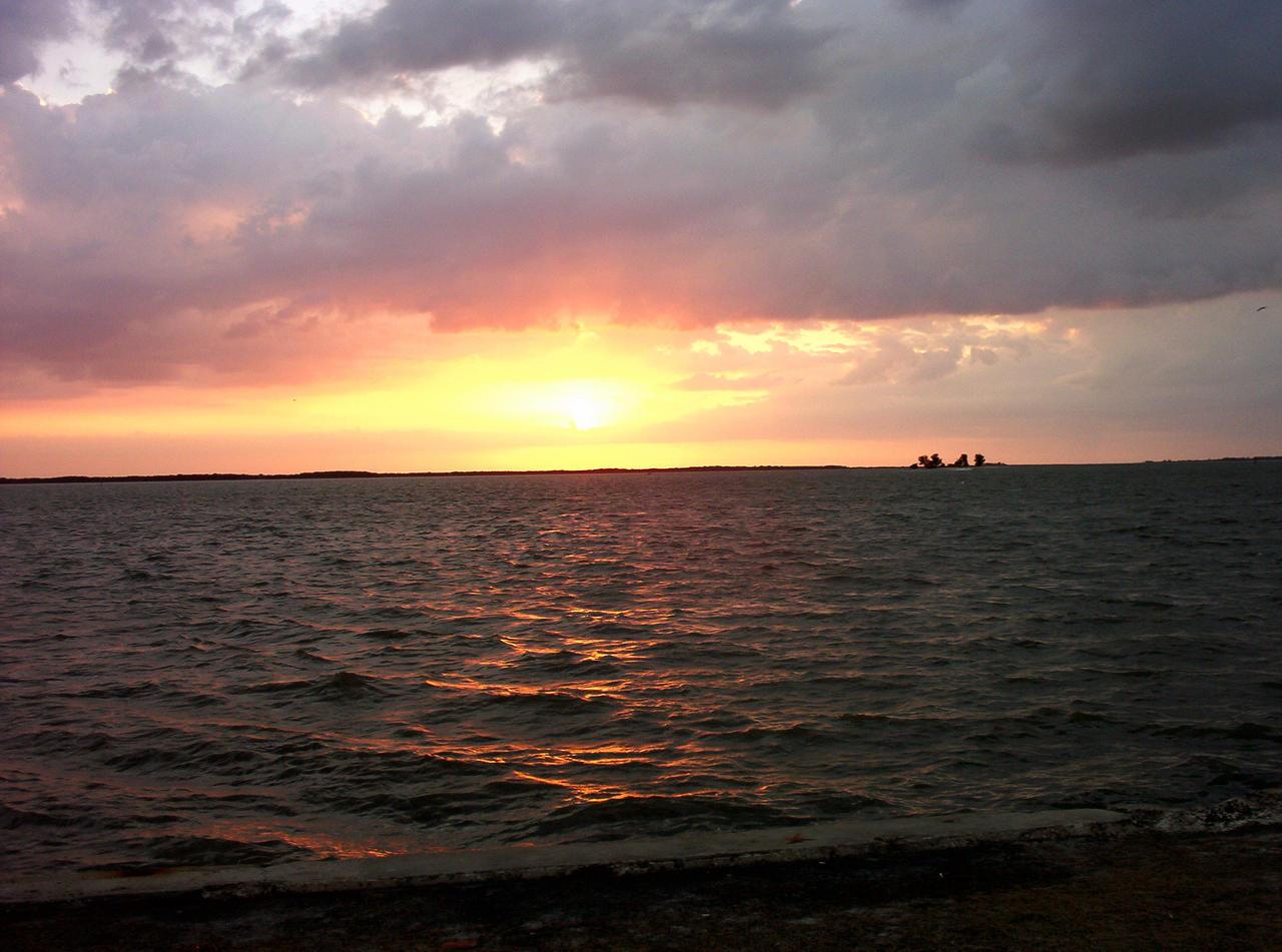 Atardecer en el Golfo 1