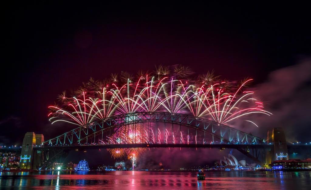 Firework bridge by Valakan