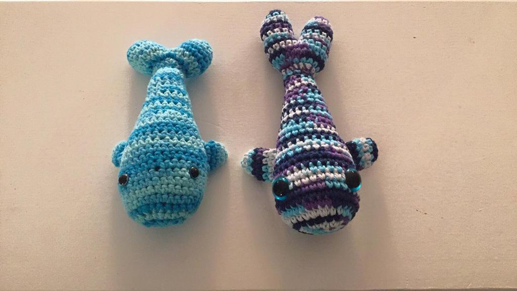 Crochet whale plushies... by piratedragon0402