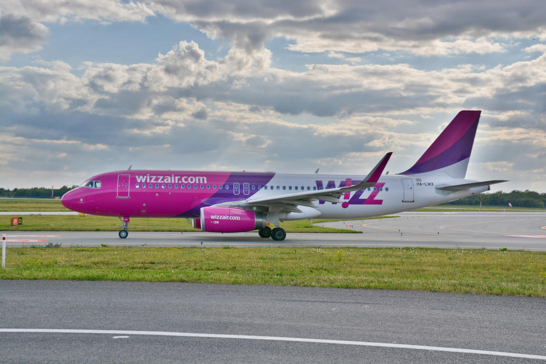 HA-LWX - Airbus A320-232 - Wizzair by mysterious-one