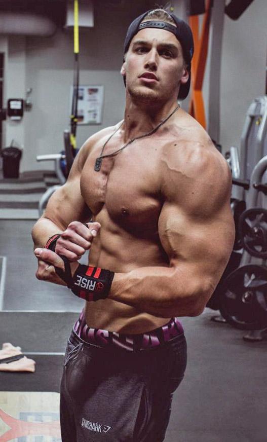 Gym Slave by builtbytallsteve