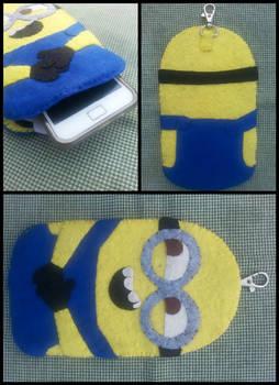 minion felt phone case