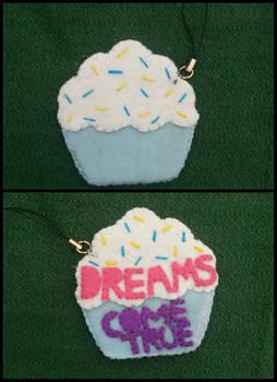 cupcake felt key chain