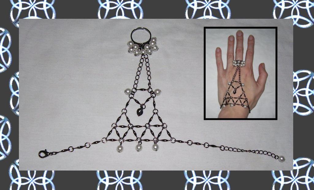 Gothic Elegance Slave-Bracelet