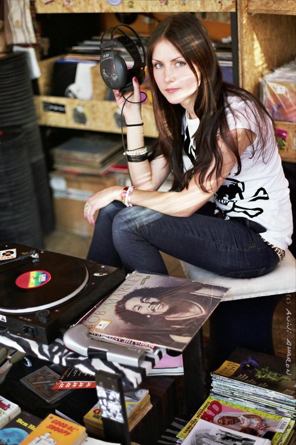 Reggae girl by avivi on deviantart - Reggae girl wallpaper ...