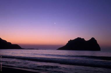 beach sunset by avivi