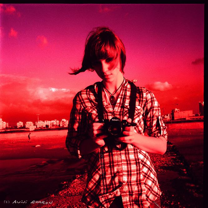 camera girl by avivi