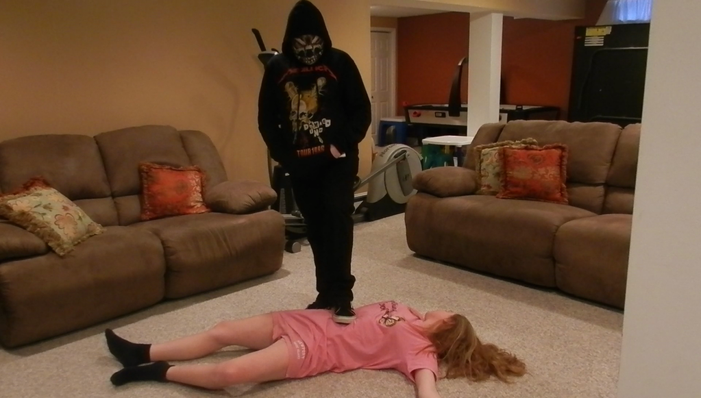 Chloroking defeats Cassie by Game-Over-Girls