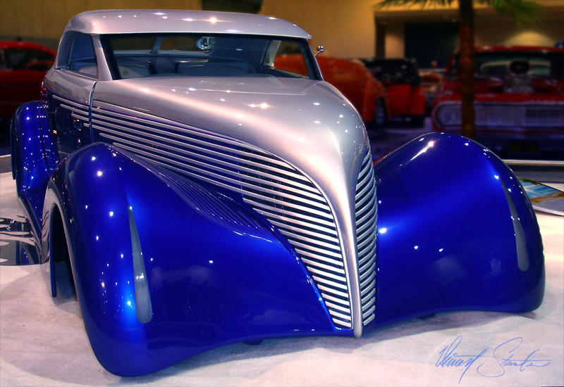 blue and silver custom hotrod by Z-Vincent