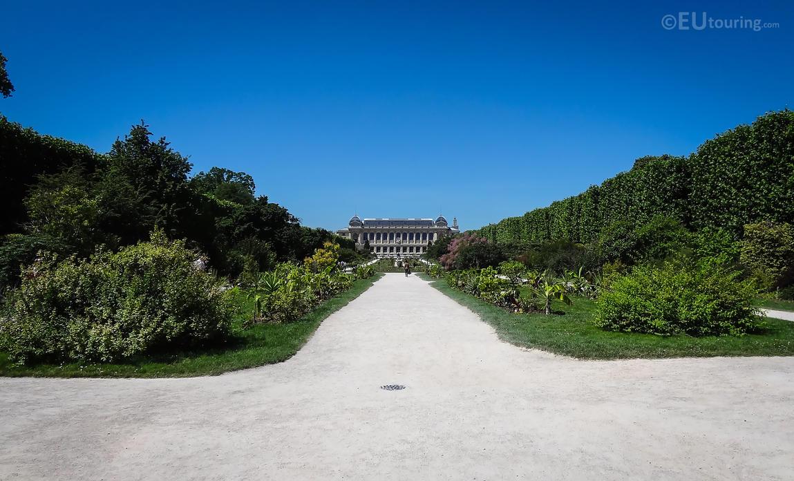 Grande galerie de l 39 evolution within jardin des pl by for Jardin grande