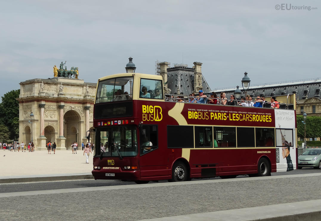 Big Bus Tour passing monuments by EUtouring