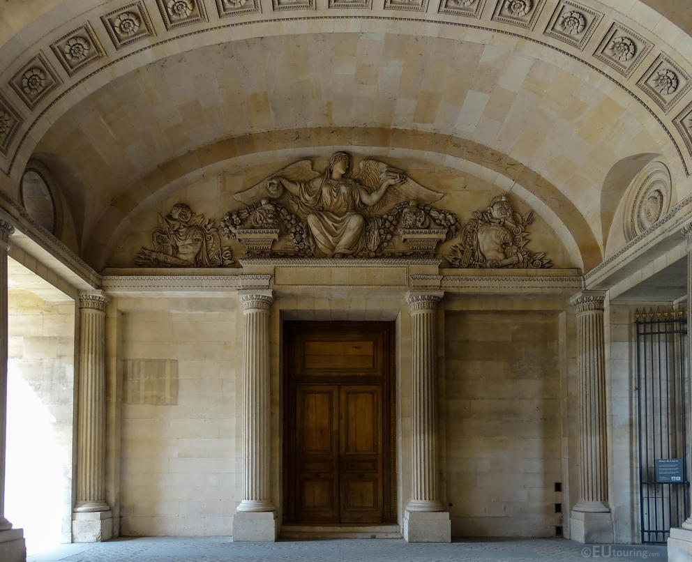 Passage through the Louvre by EUtouring