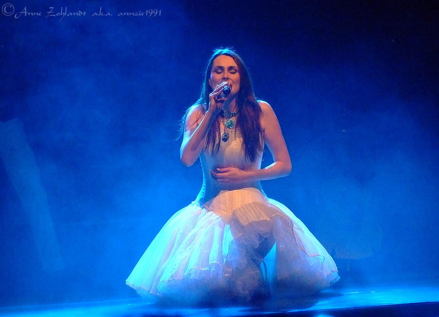 Sharon den Adel by annzie1991