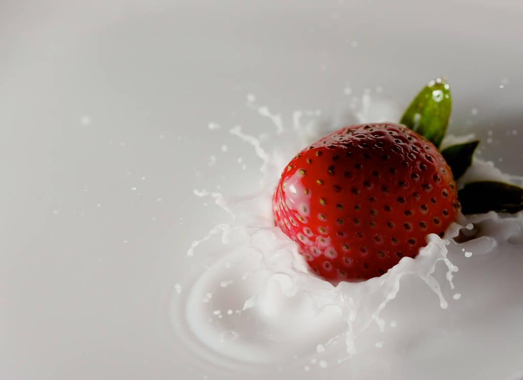 Strawberry Milk (Week #7) by M0NY11