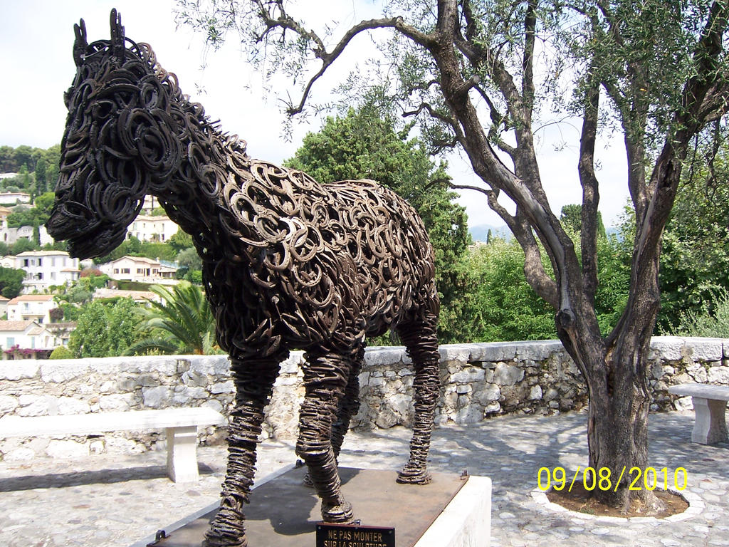 Horse made of horseshoes in Provence,France by PaintItBlackEsther on ...