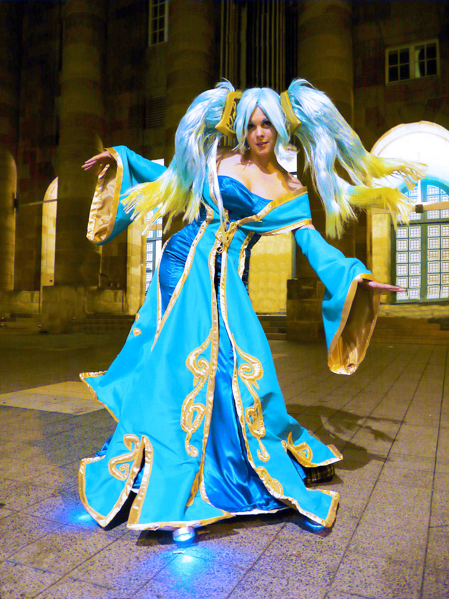 Sona-League of Legends Cosplay