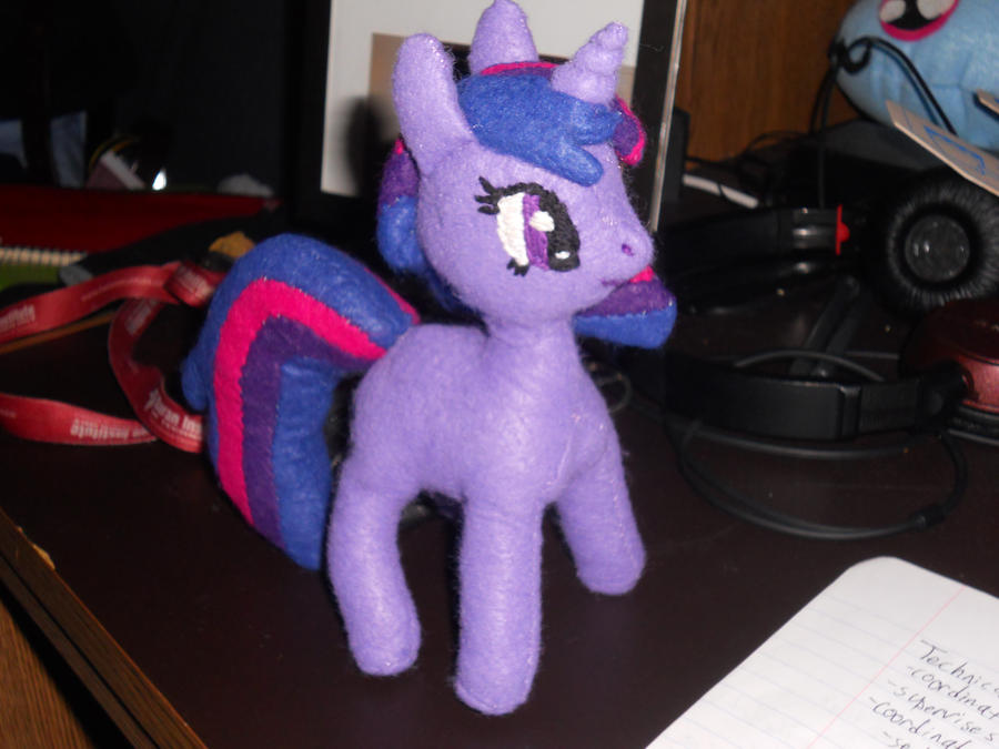 Twilight Sparkle Plushie (right side)