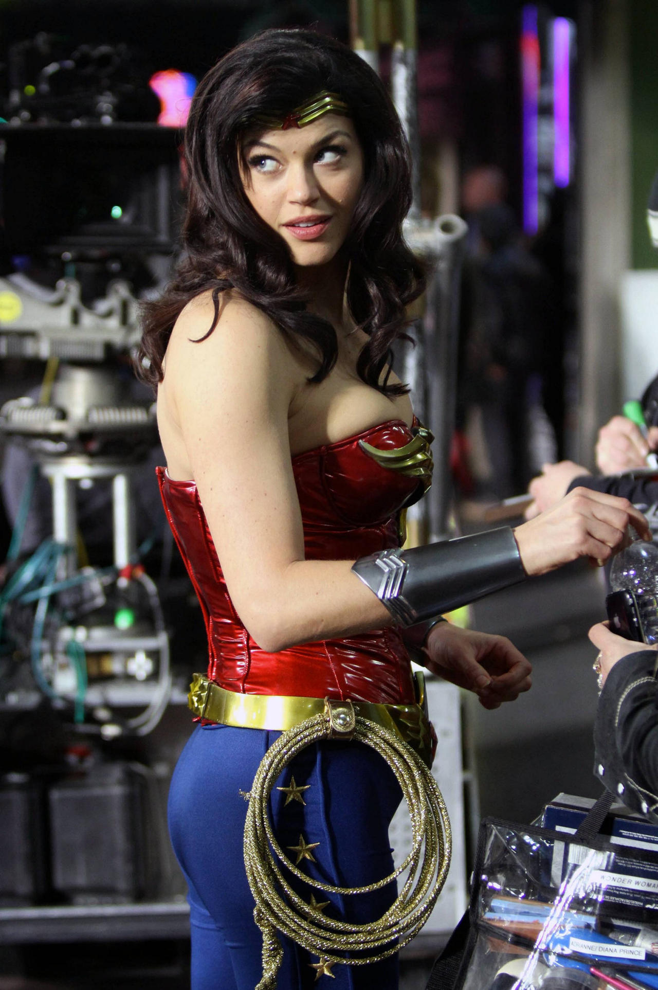 Adrianne palicki wonder woman - 1 10