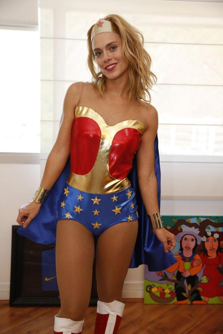 Carolina Dieckmann Wonder Woman Cosplay By C Edward On