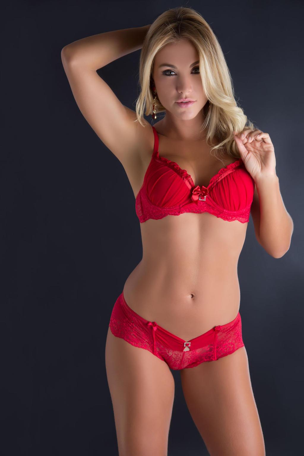 lingerie models of Pics